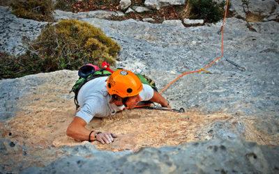 "Croquis de escalada: Sector ""Pelea"", Cabañes"