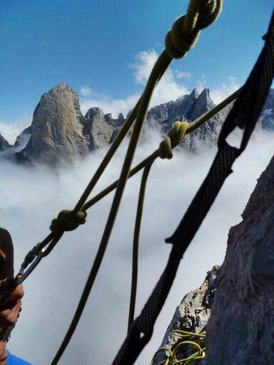 Liébana Aventura. Escalar el Naranjo de Bulnes, Actividades de aventura en Picos de Europa